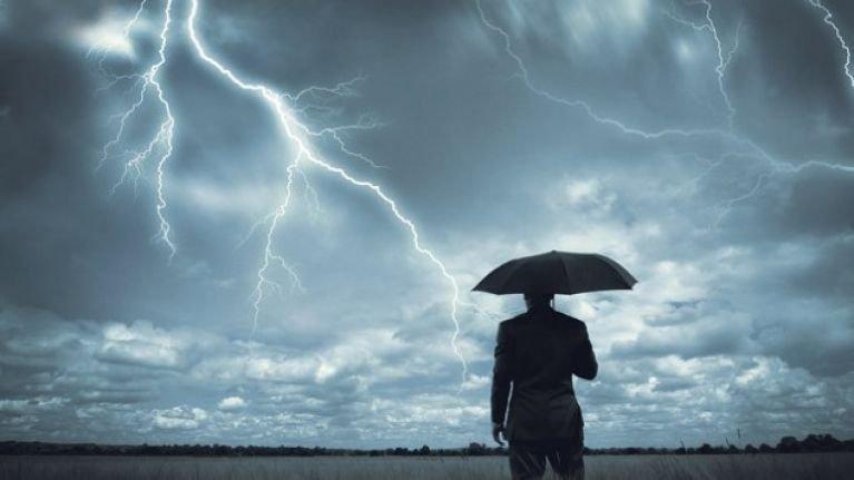 Ostrzeżenie - nadchodzą burze